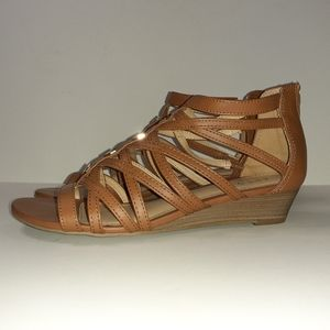 Brown gladiater sandals